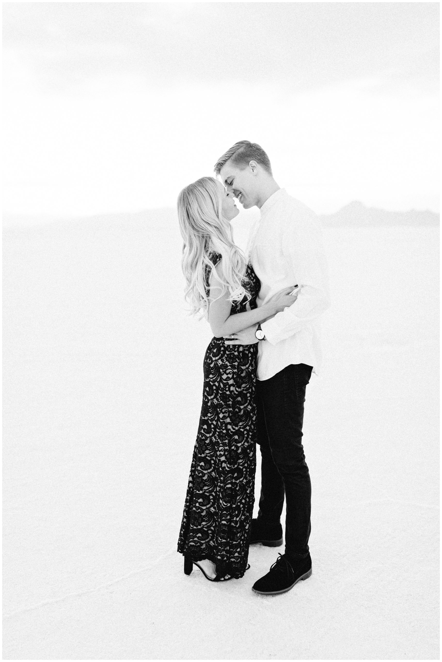 couple kissing at the Bonneville Salt Flats