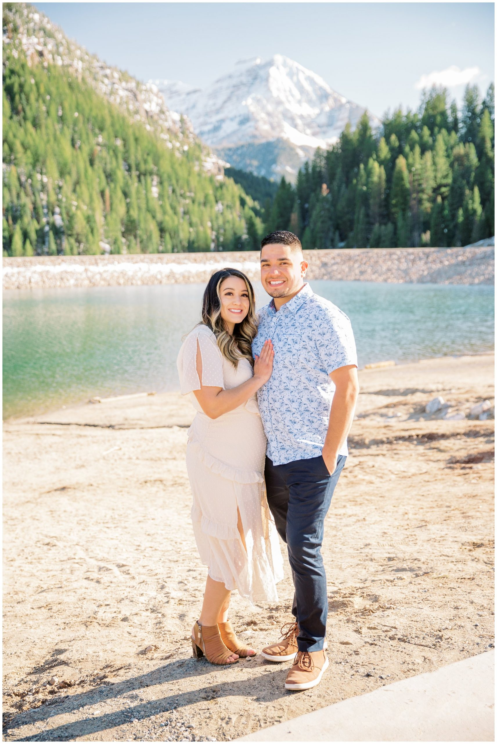 Engagement pictures at tibble fork reservoir in Utah up Provo Canyon